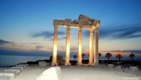 Costa de Side desde los espectaculares restos del templo de Apolo