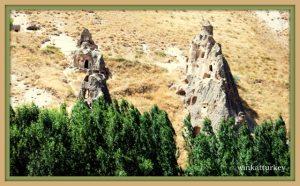 Iglesias en el valle de Soganli