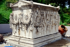 Sarcófago del siglo II del periodo romano. Encontrado en Aydin