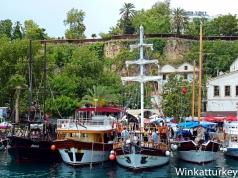 Barcos en el puerto antiguo